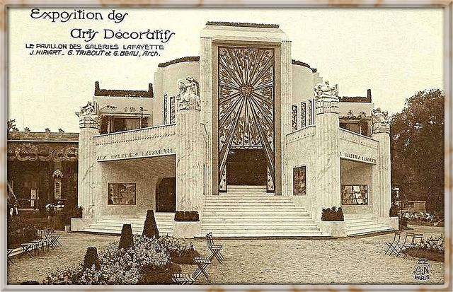 1925 Paris Exposition Internationale - Le Pavillon Des Galeries with a rich Art Deco facade.